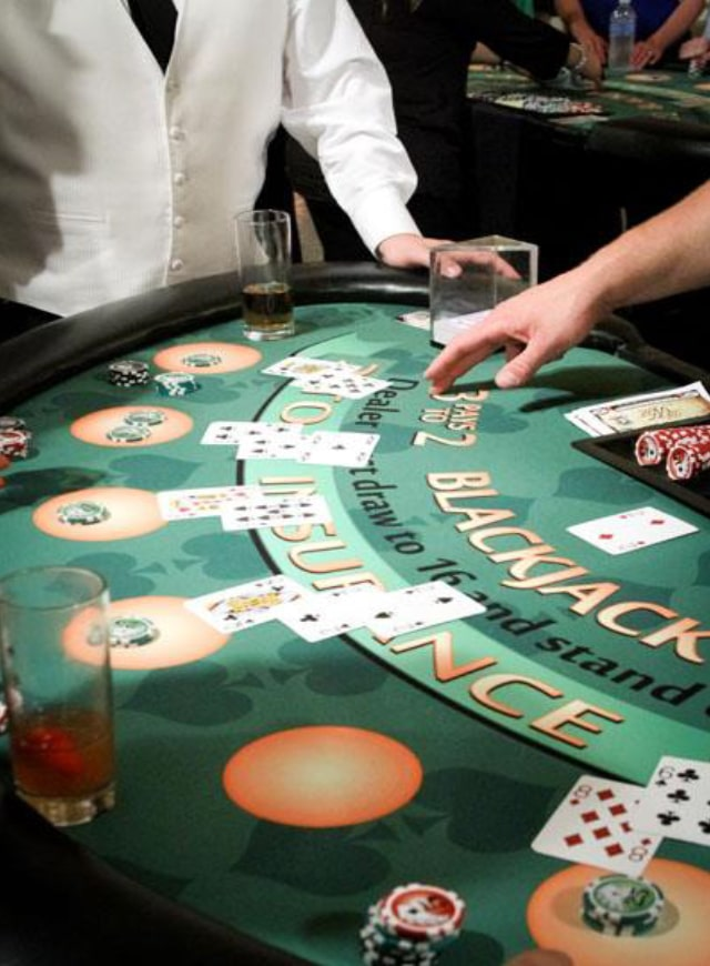 Lucky dick poker tables — img 4